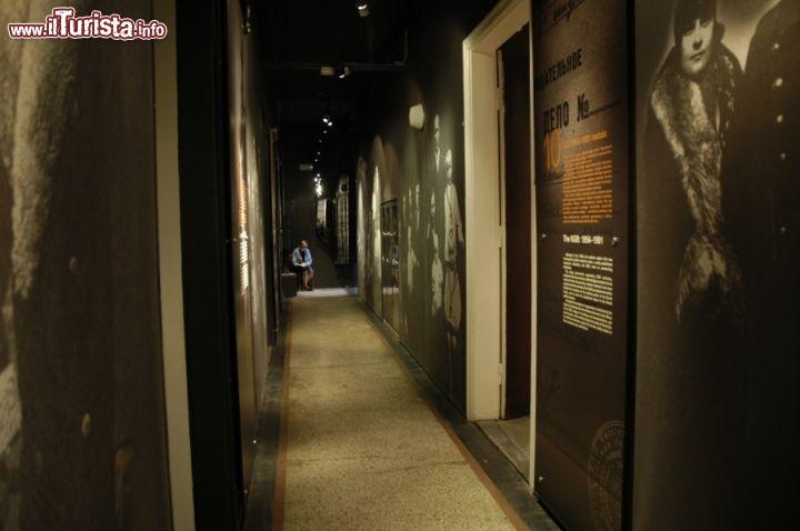Il secondo piano del museo dedicato alle vittime for Disegni del mazzo del secondo piano