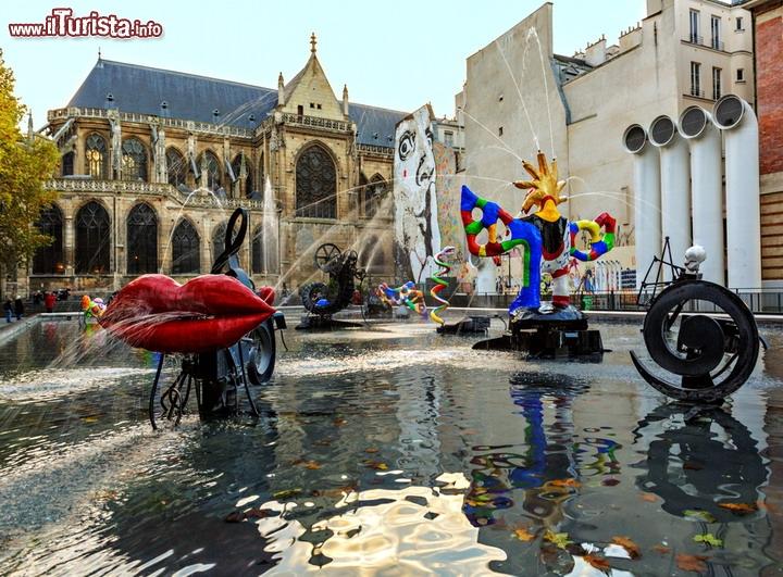 Fontana Stravinsky Al Centro Pompidou Di Parigi Proprio