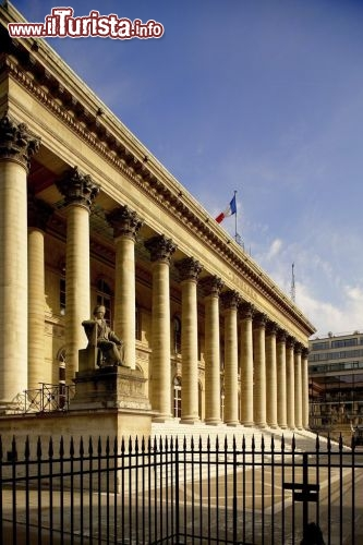 Immagine La Bourse e la piazza della Borsa di Parigi - © Marc Bertrand / Paris Tourist Office