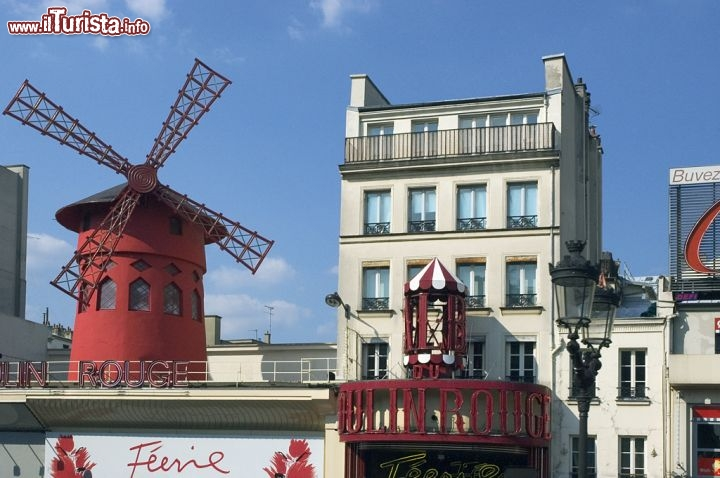 Mouline rouge a pigalle montmartre a parigi foto parigi moulin rouge - Les plus beaux quartiers de paris ...