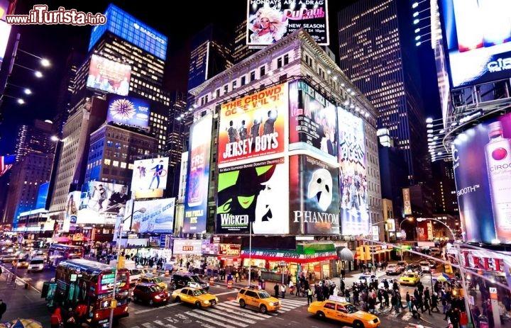 Times square new york city cosa vedere guida alla visita for Time square londra