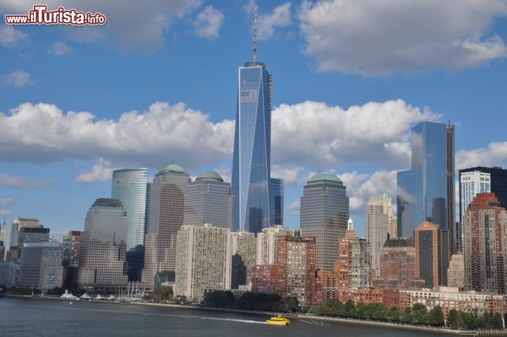 Immagine La Freedom Tower domina gli edifici Brooklfield Place a New York City - © Ritu Manoj Jethani / Shutterstock.com / Shutterstock.com