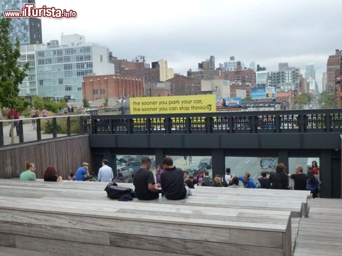 Immagine Vista sul traffico del West Side di Manhattan dalla High Line