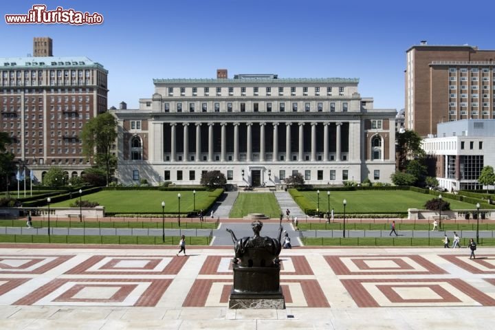 Immagine Panorama dalla Columbia University: il Campus di New York City. Sullo sfondo la grande Butler Library - © Suchan / Shutterstock.com