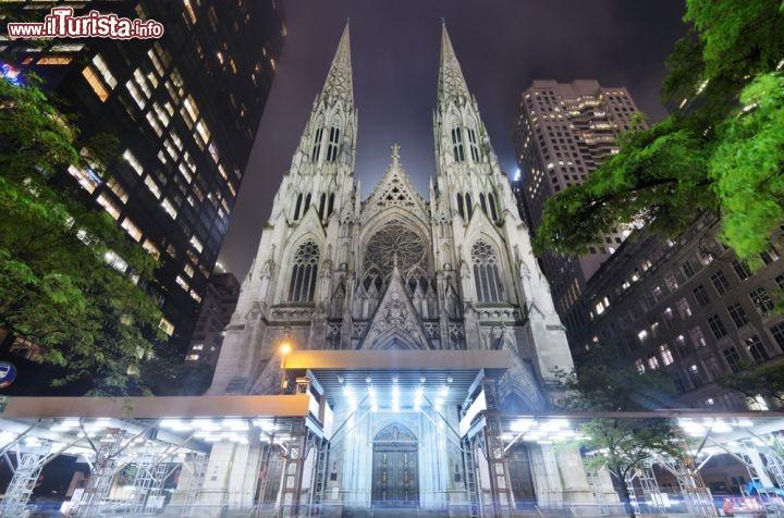 La cattedrale di san patrizio di notte st patrick - Immagini di st patrick day ...