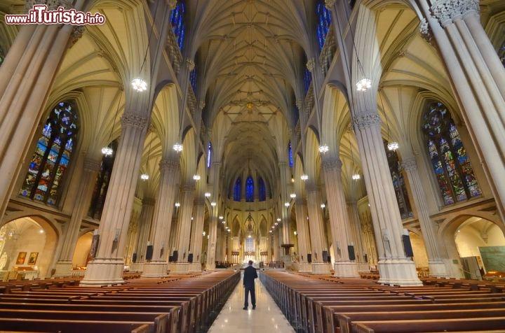 Interno della st patrick 39 s cathedral cattedrale - Immagini st patrick a colori ...