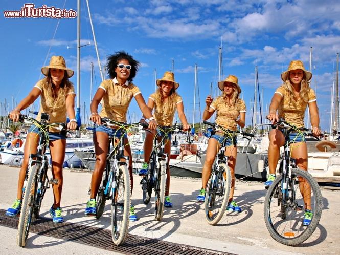 spesso Ragazze Donnavventura pronte ad un giro in bicicletta  SY26
