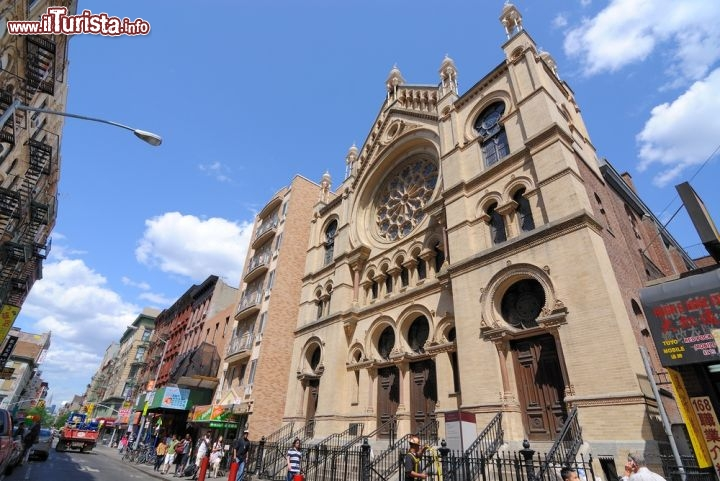 Immagine Sinagoga di Eldridge Street, Lower East Side, New York City - ©  Sean Pavone / Shutterstock.com