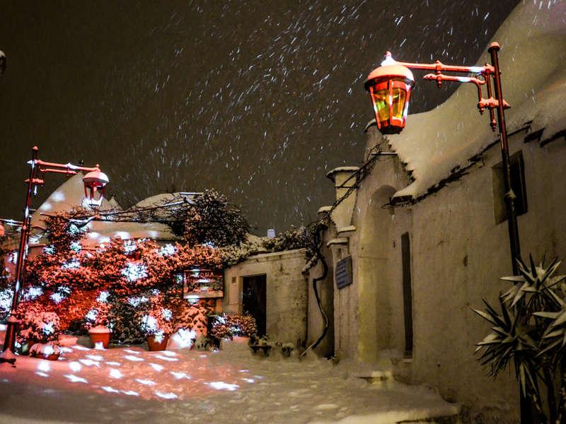 Quando Mettono Le Luci Di Natale A Parigi.Alberobello Light Christmas Il Festival Delle Luci Di Natale