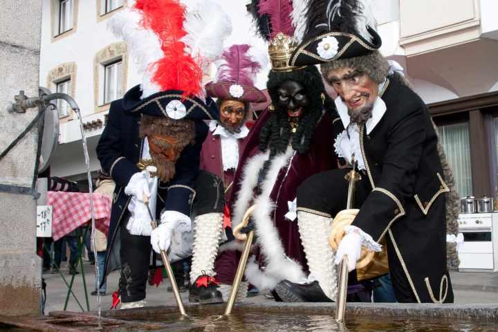 a68d0edb1869 Le sfilate del Carnevale in Austria più belle e le sue tradizionali maschere
