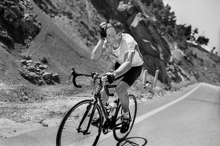 Vite di corsa. La bicicletta e i fotografi di Magnum. Da Robert Capa ad Alex Majoli Caldes