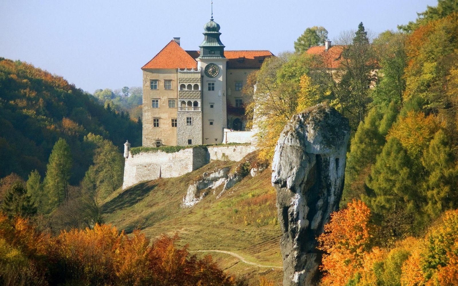 Il sentiero dei Nidi d'Aquila: trekking tra i castelli della Polonia