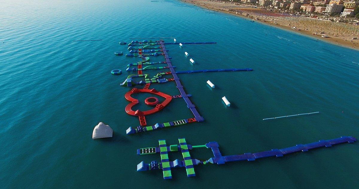 Boabay a rimini il parco acquatico galleggiante pi grande for Un mezzo galleggiante