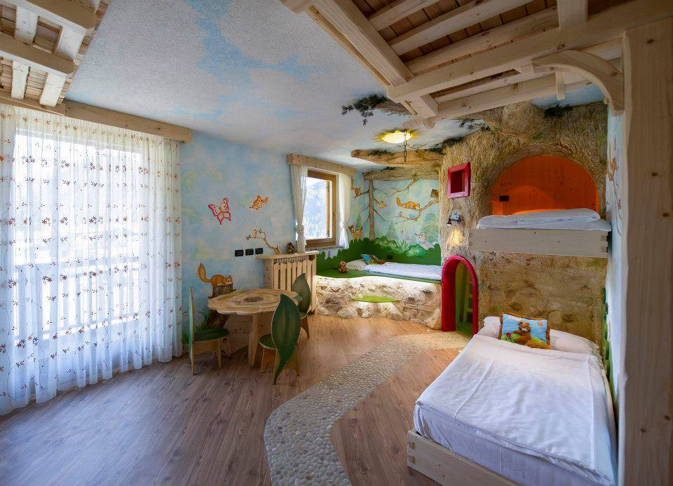 Camere A Tema Disney : Hotel a tema per bambini in italia: un soggiorno da fiaba