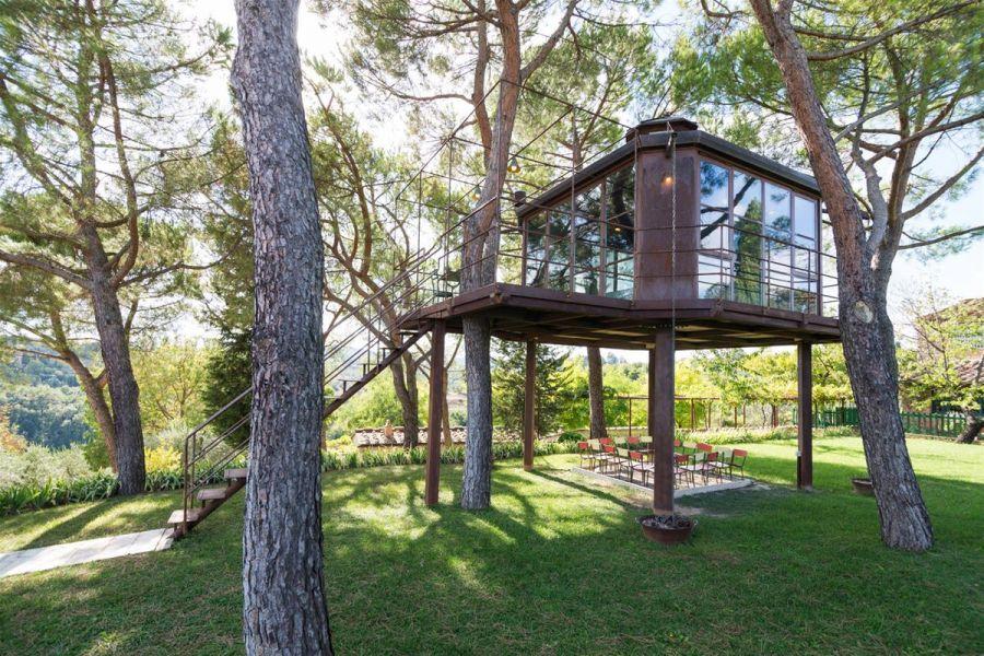 Dove dormire e mangiare sugli alberi in italia - Casa sull albero progetto ...