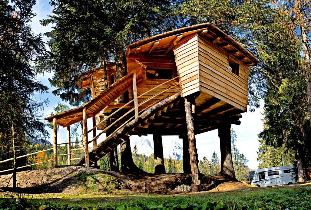 Dove dormire e mangiare sugli alberi in Italia